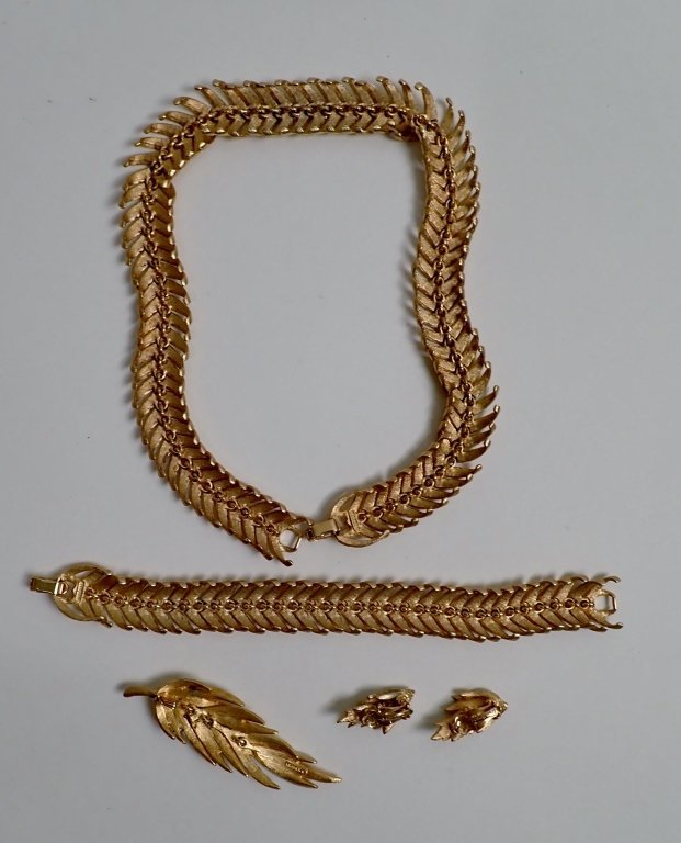 Vintage Kramer Jewelry Set - 8
