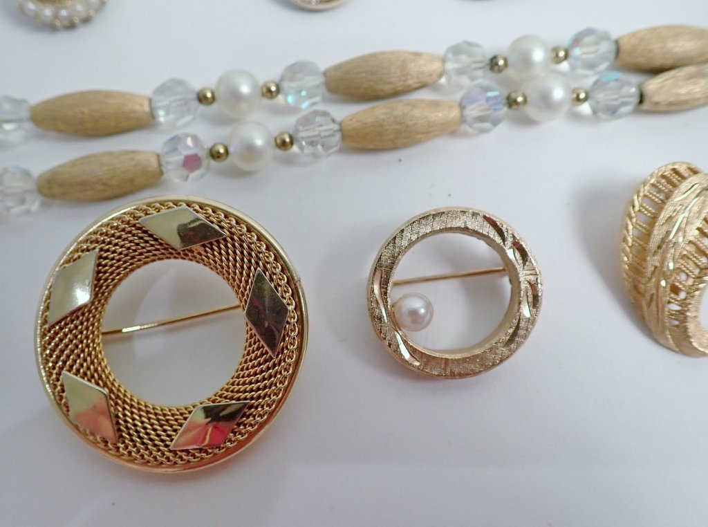 Vintage Kramer Jewelry Assortment - 3