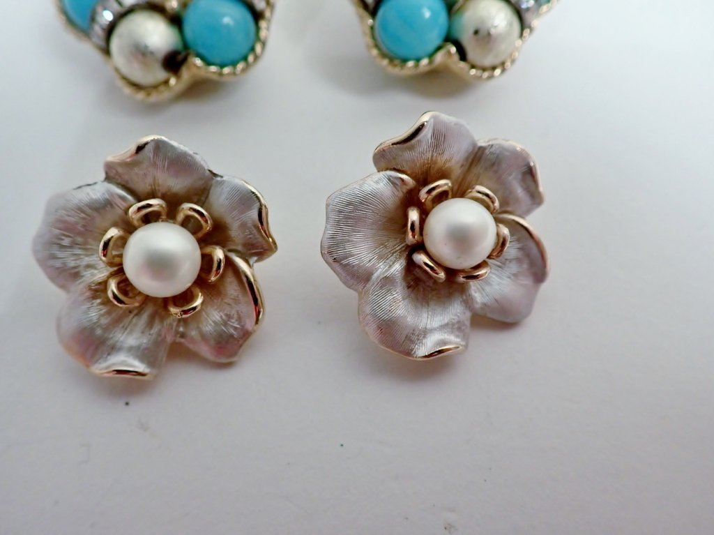 Vintage Kramer Clip-on Earrings - 2