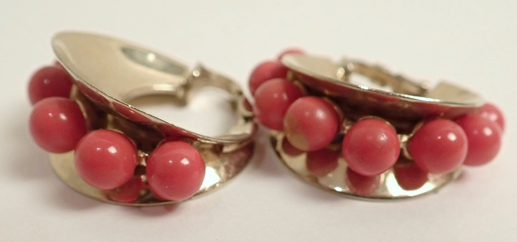 Vintage Coral Jewelry Assortment - 5
