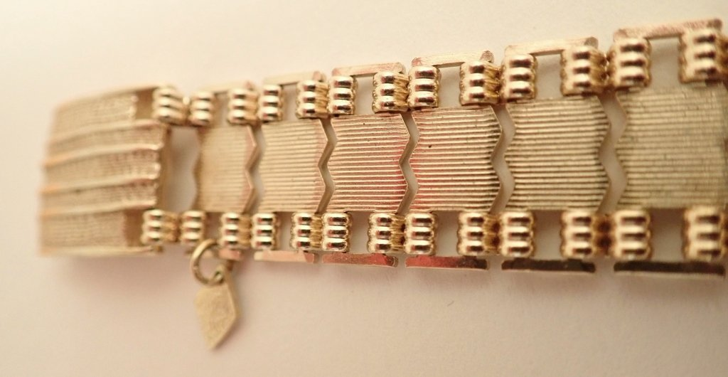 Collection of 5 Fashion Bracelets - 10