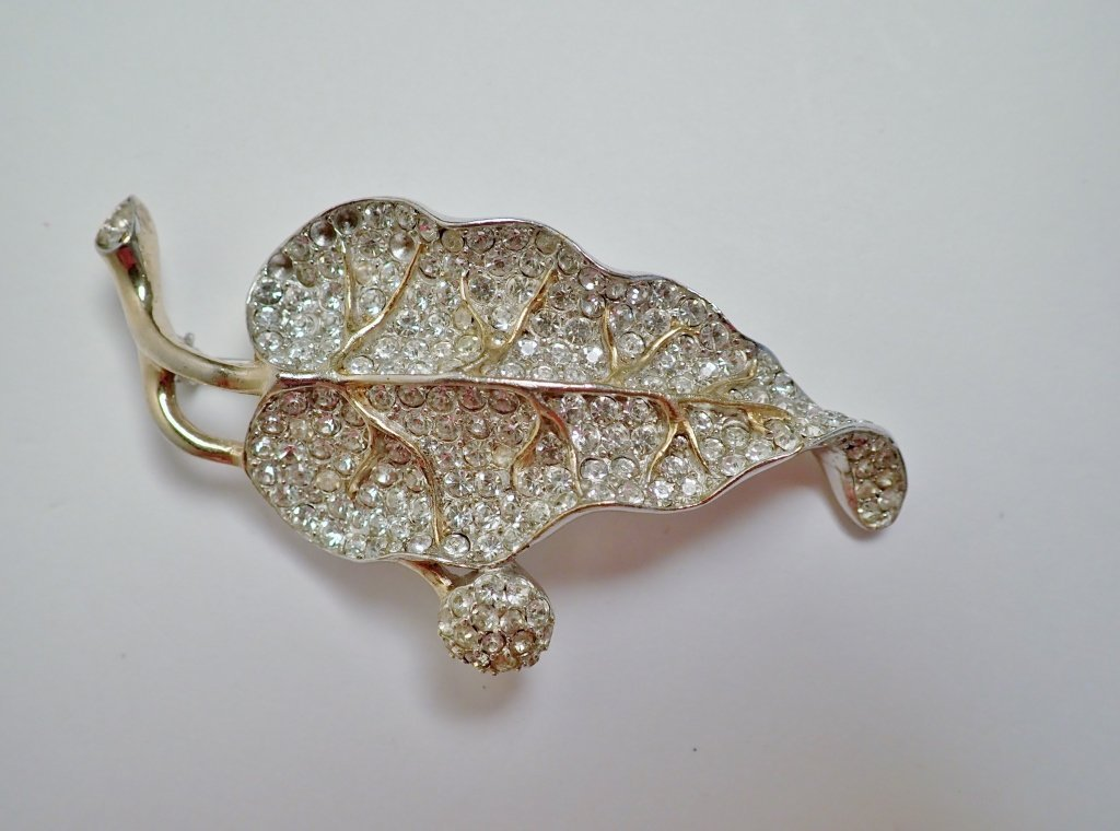 Three Vintage Faux Diamond Brooches - 5