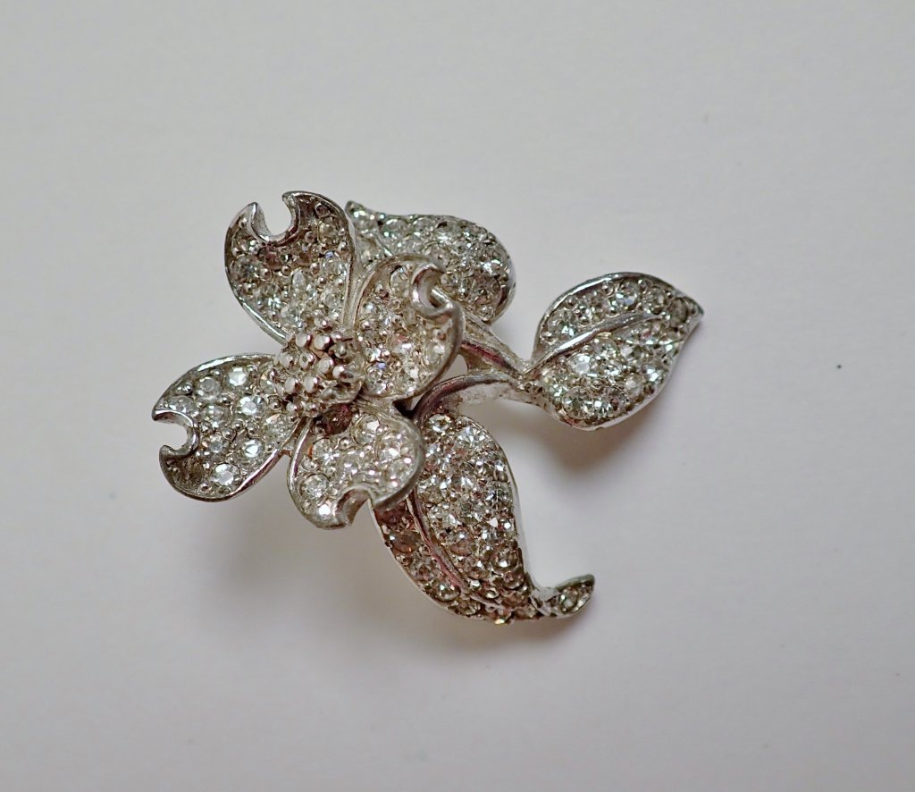 Three Vintage Faux Diamond Brooches - 7