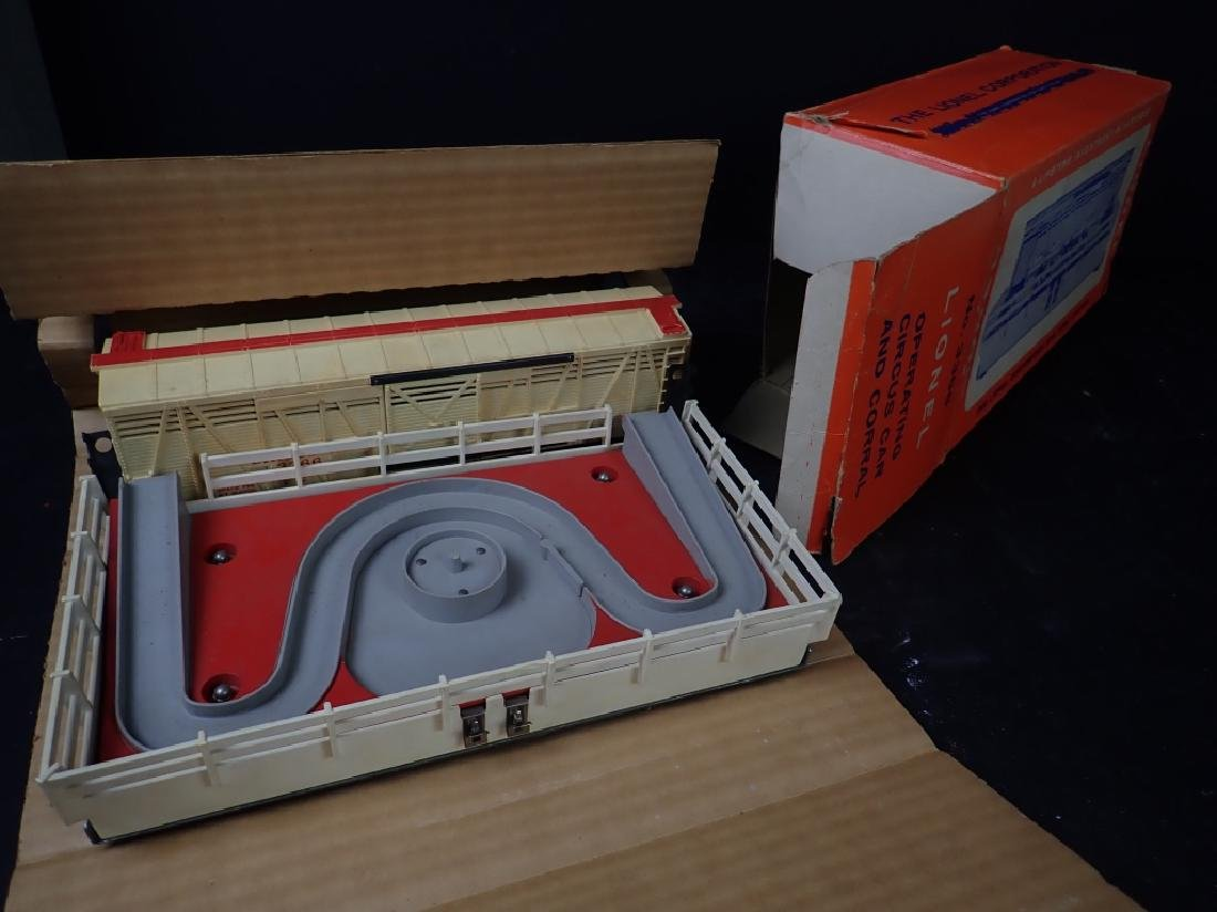 Lionel No. 3366 Circus Car and Corral