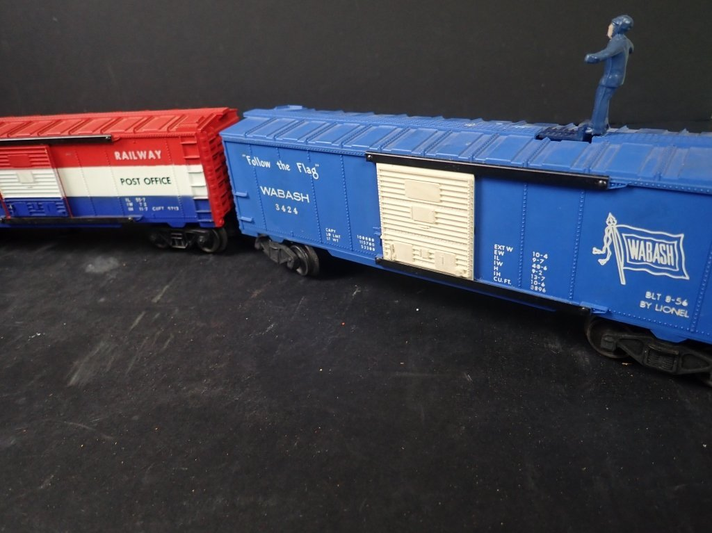 Assortment of USA Themed Lionel Boxcars - 4