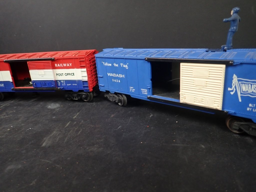 Assortment of USA Themed Lionel Boxcars - 7