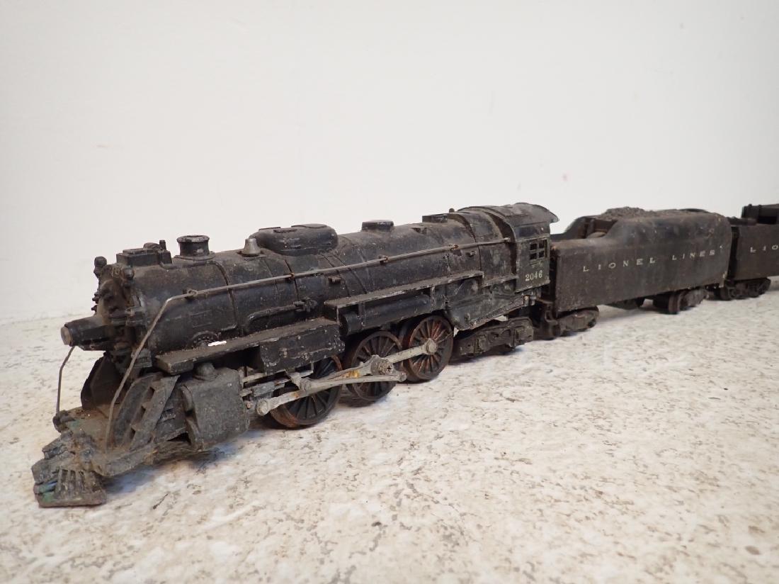 Lionel No. 2046 Engine and 2 Lionel Traincars - 2