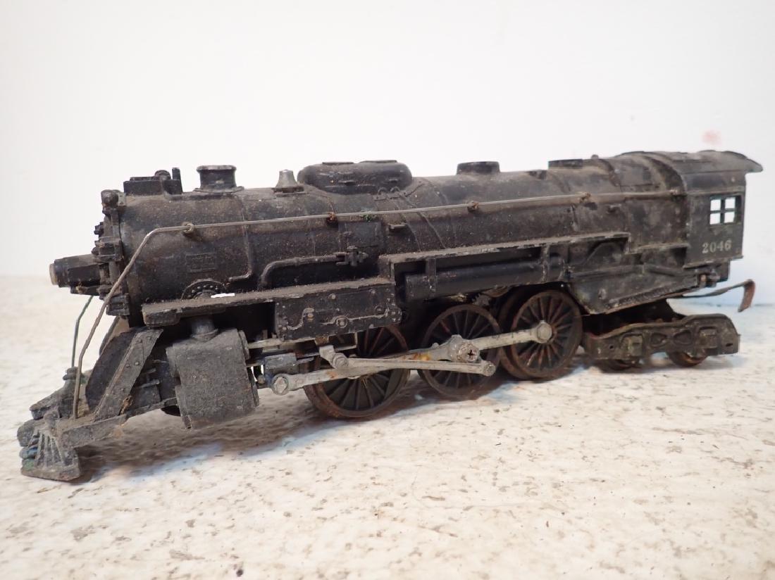 Lionel No. 2046 Engine and 2 Lionel Traincars - 4