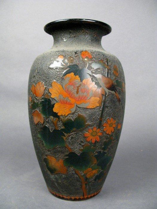 7: Japanese Totai vase