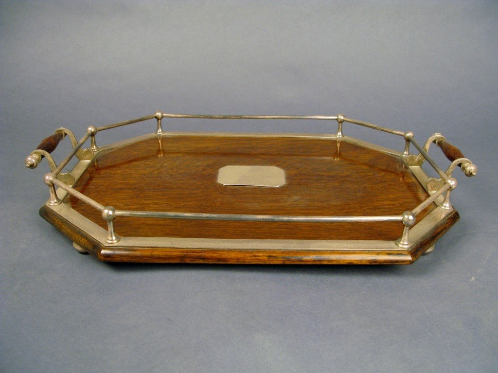 19: Serving tray