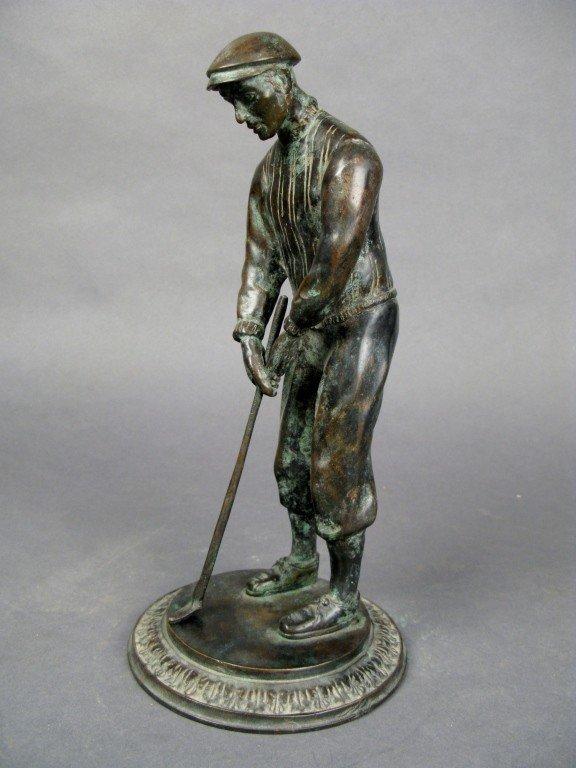 22: Bronze golfer