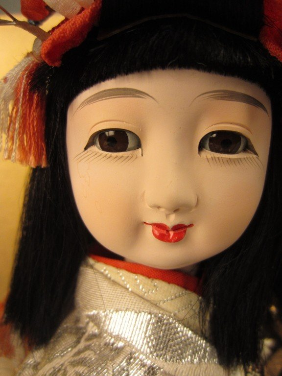 88: Japanese doll in wood and glass case - 9