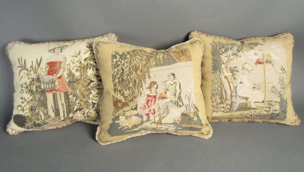 Set of 3 Aubusson Pillows