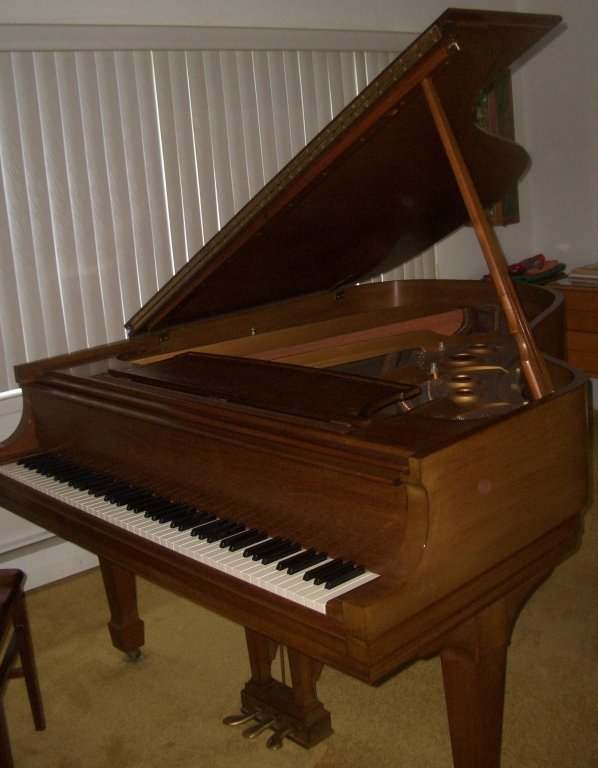 Steinway & Sons Piano Model L w/original bench