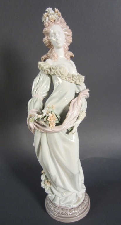 Lladro, Woman with Flowers