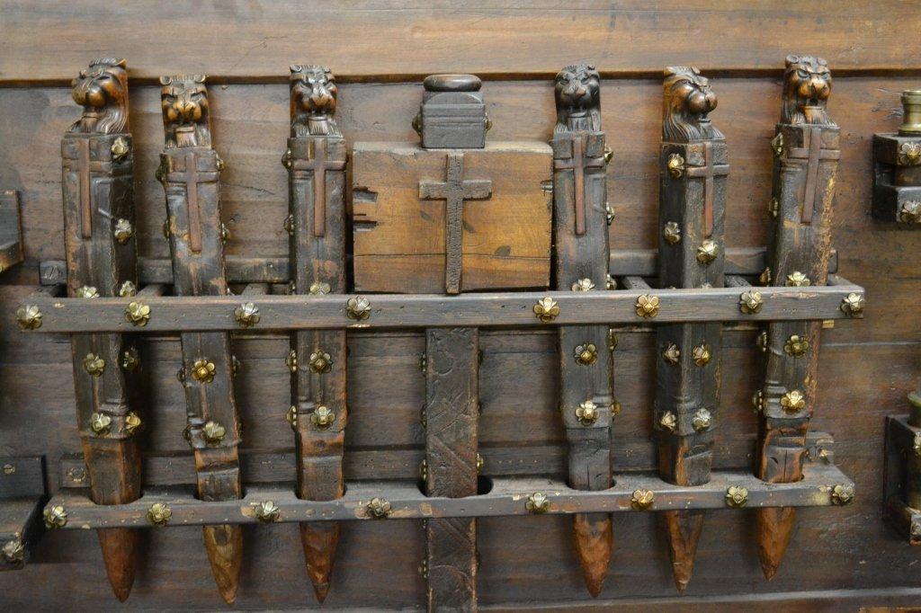 Vampire Hunting Kit in Coffin Box - 3