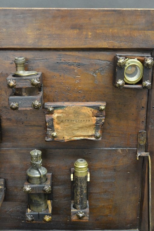 Vampire Hunting Kit in Coffin Box - 4