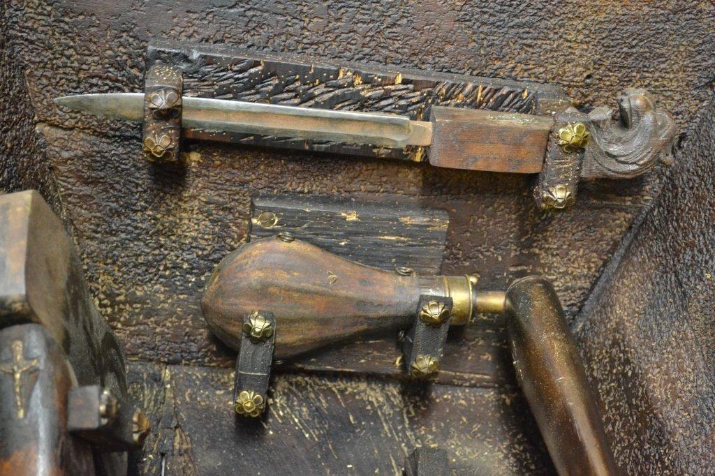 Vampire Hunting Kit in Coffin Box - 9
