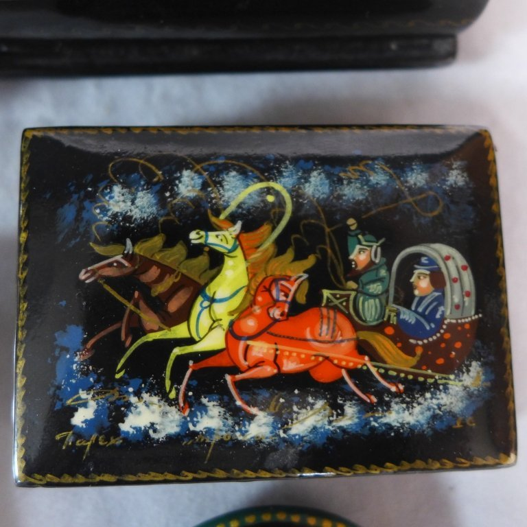 Russian Lacquer Boxes & Brooches - 4