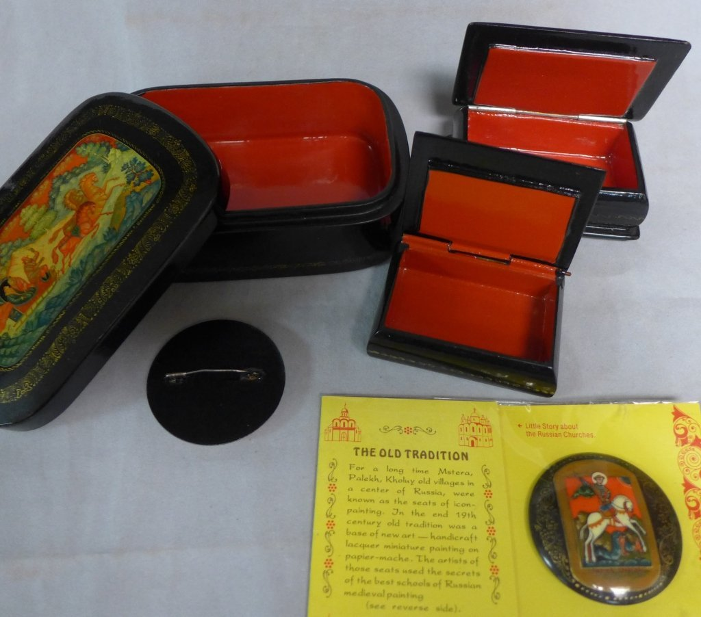 Russian Lacquer Boxes & Brooches - 7
