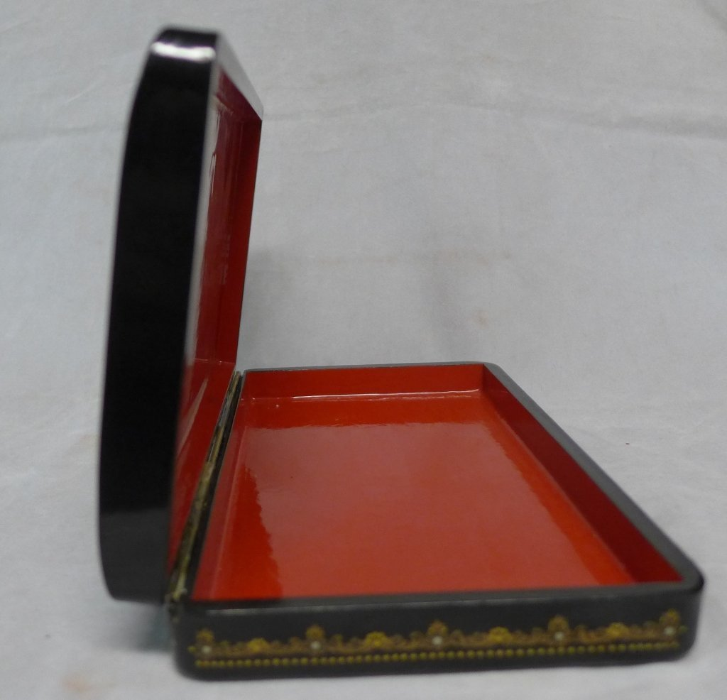 Beautiful Russian Lacquer Box - 4