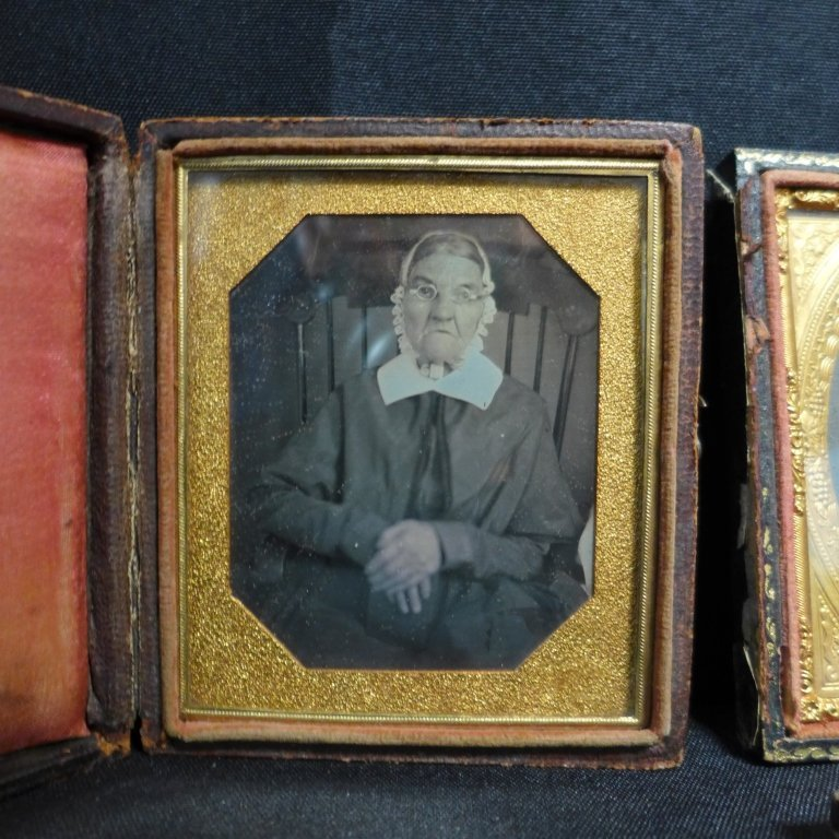 Three Ambrotypes / Daguerreotypes of Women - 2