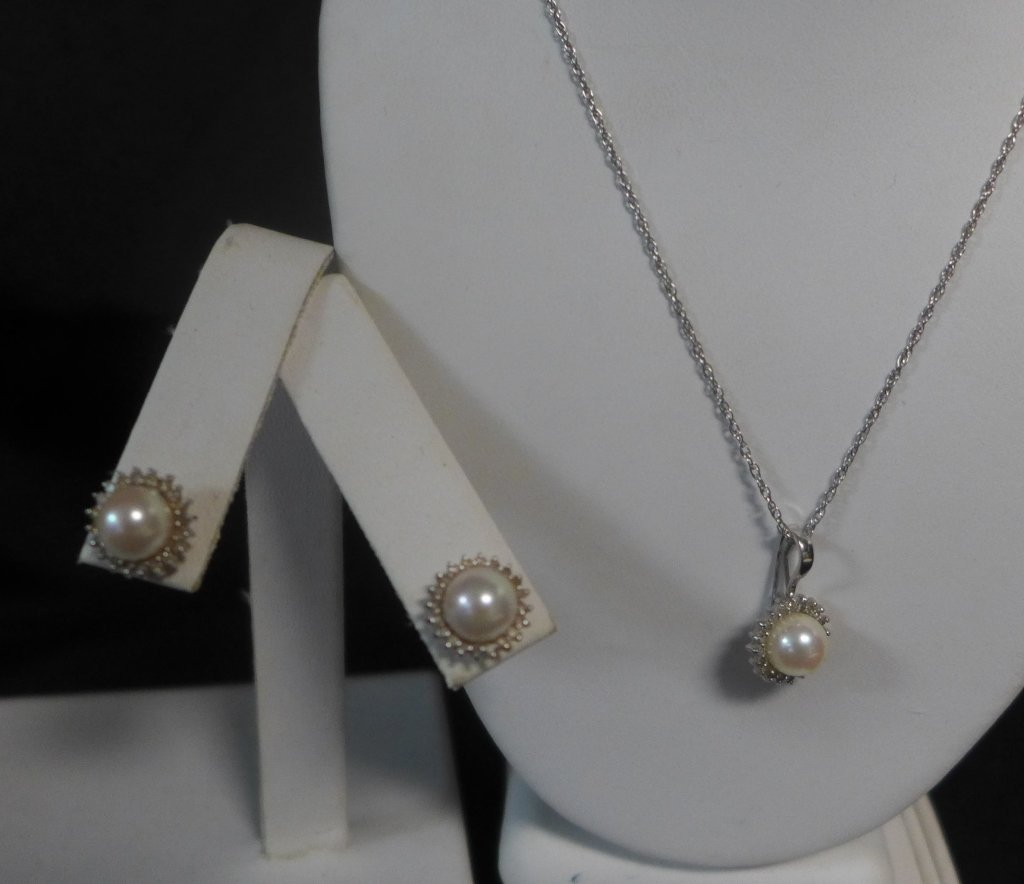 14 kt Gold, Diamond and Pearl Set - 4