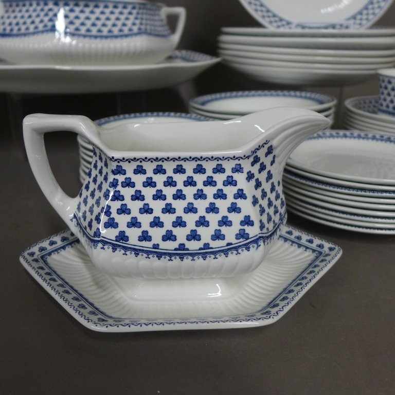 Brentwood Empress Blue Clover Rib White Fine China - 2
