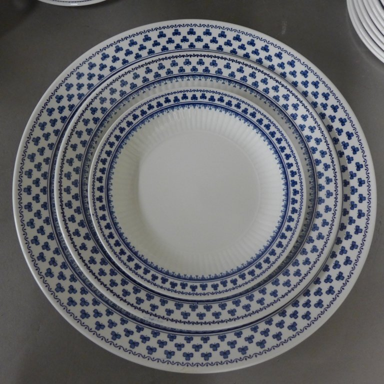 Brentwood Empress Blue Clover Rib White Fine China - 5