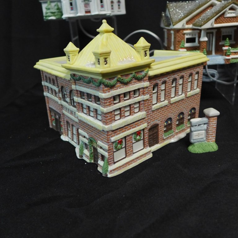 Christmas in Lindsborg Collectible Village - 6
