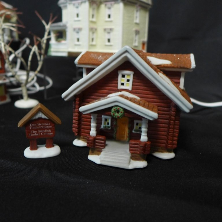 Christmas in Lindsborg Collectible Village - 7