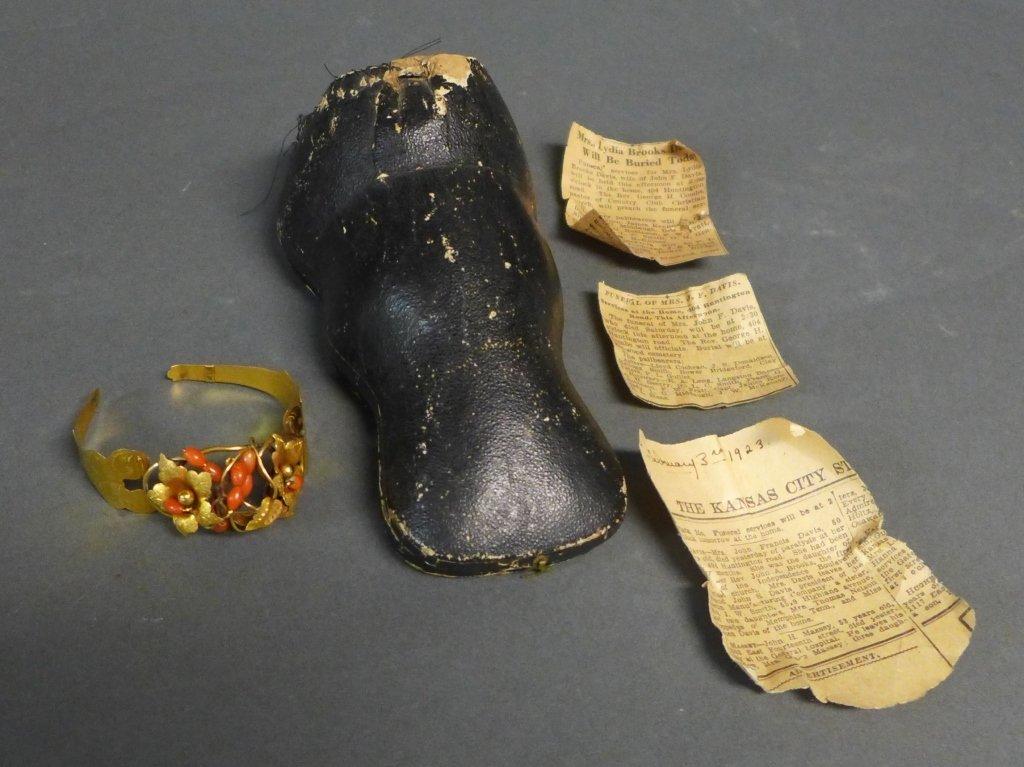 Gilt & Coral Antique Hinged Cuff Bracelet - 3