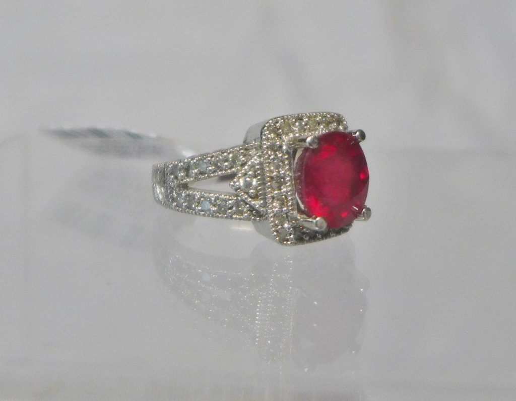 Diamond & Ruby Solitaire Ring - 3