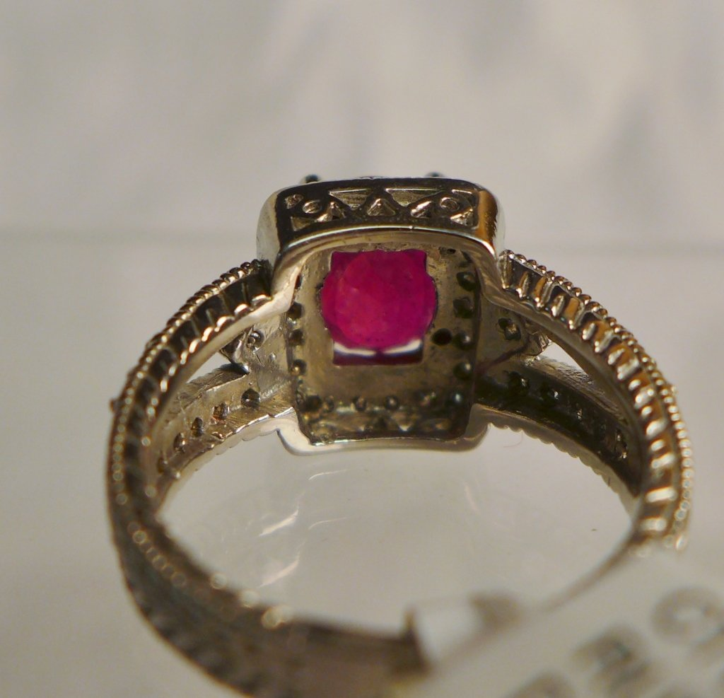 Diamond & Ruby Solitaire Ring - 6