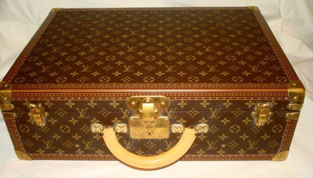 1001: Louis VuittonLuggage