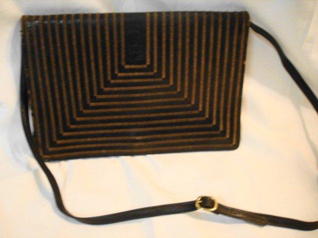 1021: Vintage Fendi ? Leather shoulder bag