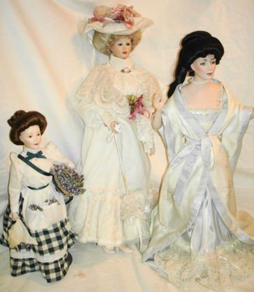 17: 3 pc Porcelain Gibson Girl style dolls