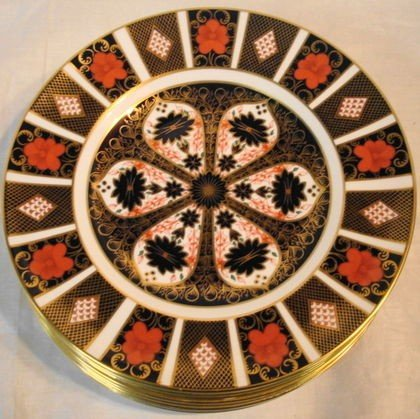 "1018: 8 pc Royal Crown Derby 10.5"" plates"