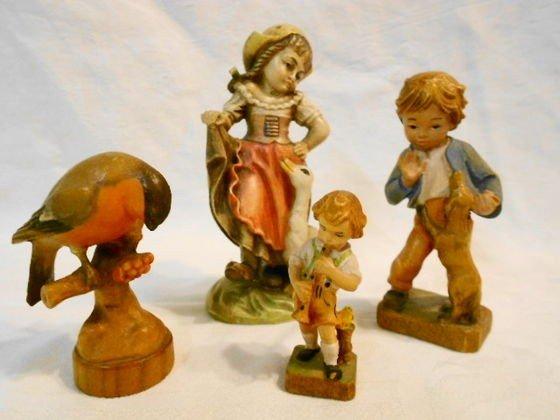 1007: Vintage carved Black Forest Wood Figures