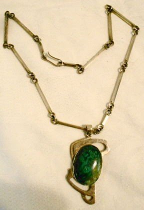 1018: Taxco sterling & malachite necklace