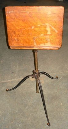 1003A: Starks Deco Adjustable Music Stand, Iron base