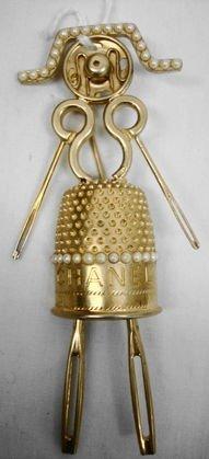 1011B: Chanel Designer Costume Pin, Unusual