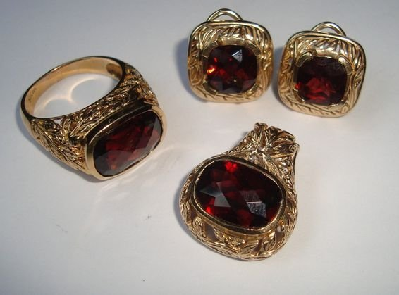1010: 14K Gold  & Red Stone Ring, Pendant & Earrings