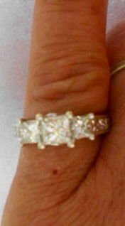 1014: 14k White Gold & Diamond Engagement Ring 1.5 cara