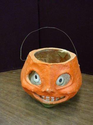 1002: Paper Mache Smiley Face Jack O Lantern Halloween