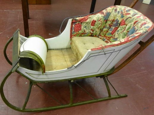 1010: Victorian Painted Child's Sleigh
