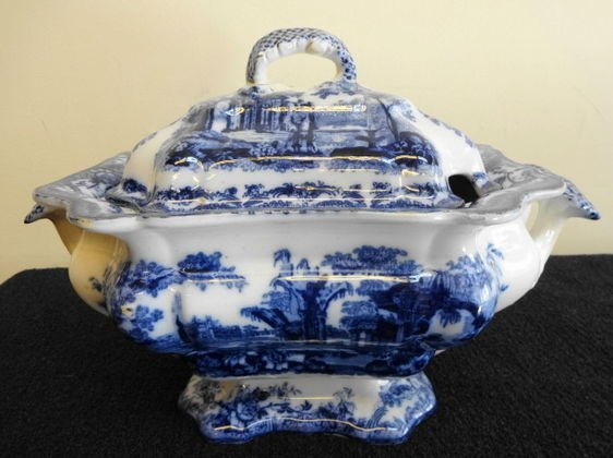 1012: Ashworth  Bros Flow Blue Soup Tureen