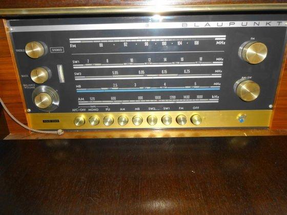 Mid Century Blaupunkt Venezia Stereo Console/Bar - 5