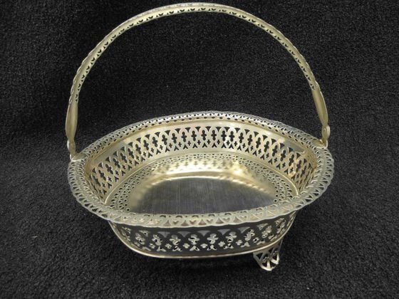 800 Silver Reticulated Basket with Swing Handle