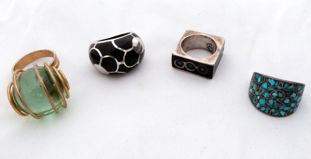 71: Four Modern Rings incl. Sterling and Enamel Mexican